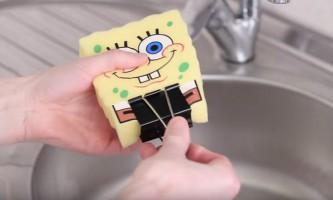 10 Корисних лайфхак з губкою для миття посуду: вичавлюй максимум користі