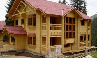 Брус або оциліндрованої колоди - який матеріал вибрати для будівництва будинку