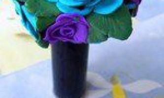 Квіткова композиція з полімерної глини