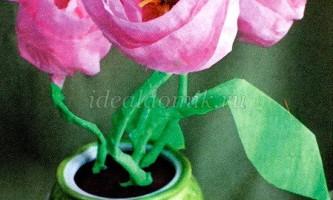 Горщик з квітами з гофрованого паперу своїми руками