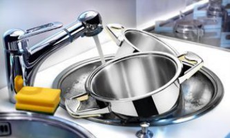 Як почистити посуд в домашніх умовах