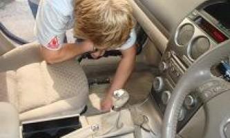 Як почистити салон автомобіля в домашніх умовах своїми руками?