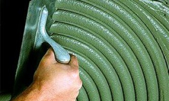 Як правильно вибрати клей для плитки