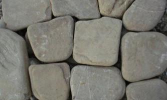 Як розколоти камінь кругляк