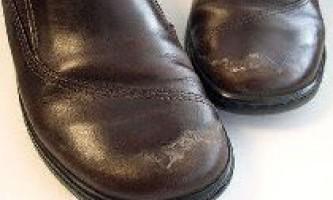 Як прибрати сіль з взуття?