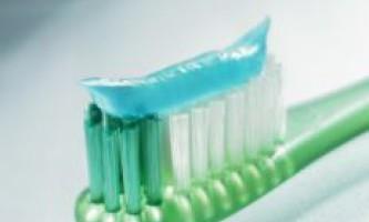 Як вибрати зубну щітку