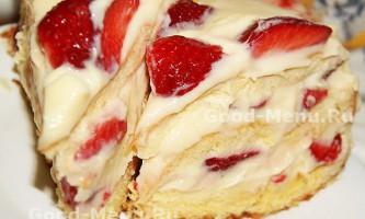 Полуничний торт з заварним кремом
