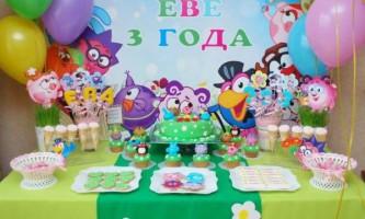 Організуємо дитячий стіл на день народження: як прикрасити і чим пригощати?