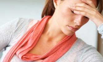 Чому болить голова - визначаємо причини і позбавляємося від проблеми