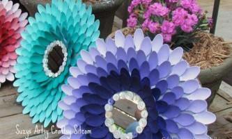Виріб з пластикових ложок, квітка