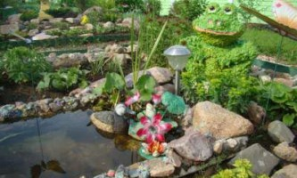 Вироби з піни для дачі, саду (жаба)