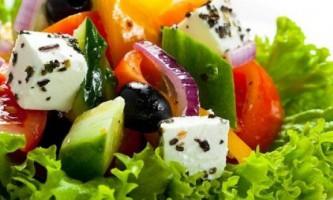 Простий рецепт салату грецького класичного