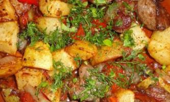 Рагу зі свинини з овочами в мультиварці