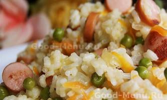 Рис з сосисками і овочами