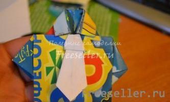 Сорочка з краваткою з паперу