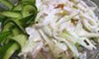 Салат з кальмарів зі свіжим огірком