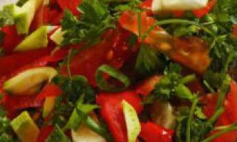 Салат з помідорів і червоного перцю