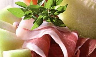 Салати з динею - незвично і смачно