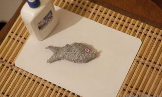 Саморобна іграшка рибка для кошенят своїми руками