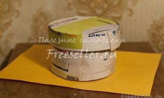 Саморобна коробочка з картону і cd дисків
