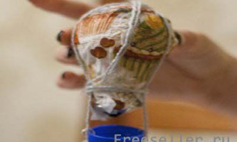 Саморобна модель повітряної кулі з лампочки