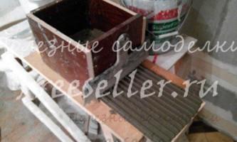 Саморобний верстат для конвеєрного нанесення клею на плитку