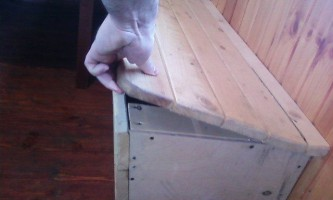 Саморобний речовий ящик лавка
