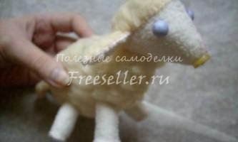 Шиємо м`яку іграшку-овечку своїми руками