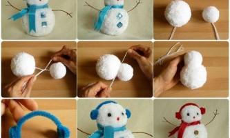 Сніговик з помпоном