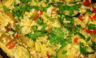 Соте з овочів з рисом, кокосовим молоком і кешью