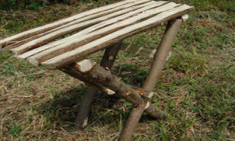 Стіл для робинзонов з колод