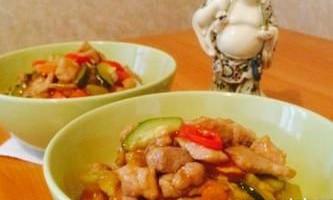 Свинина з овочами в кисло-солодкому соусі