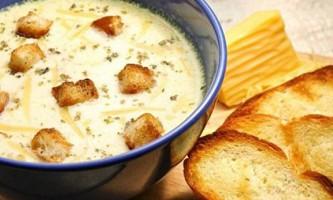 Сирний суп з куркою в мультиварці