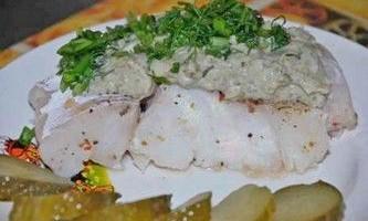 Тушкована риба в мультиварці під щавлевим соусом