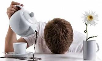 У чому можуть бути причини постійної сонливості і втоми?