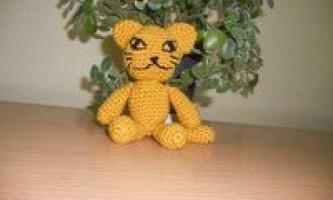 В`язаний кіт - іграшка для дитини