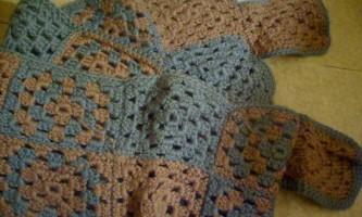 В`яжемо шарф з візерункових квадратів