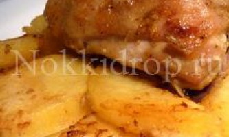 Печеня з курки з картоплею